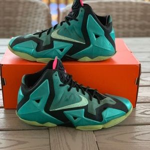 "Other - 🍭NEED GONE ASAP🌈 LeBron 11 ""South Beach"""